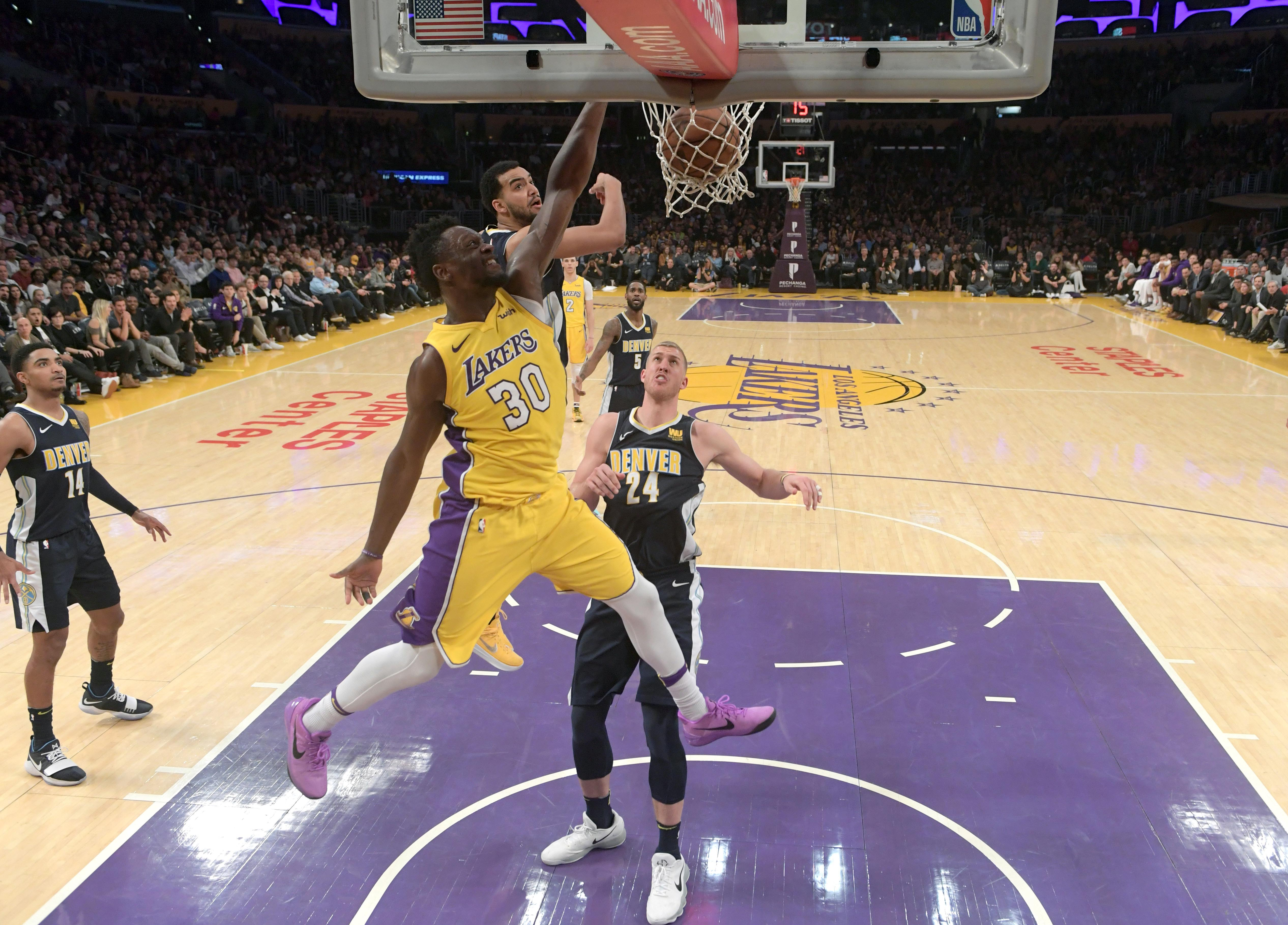 Young Lakers impress LeBron during victory over Cavaliers